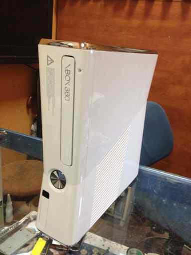 xbox-360-beyaz.jpg